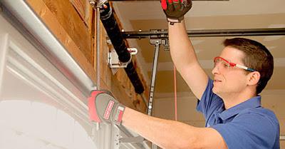 ¿Cómo mantener tu puerta de garaje automática?